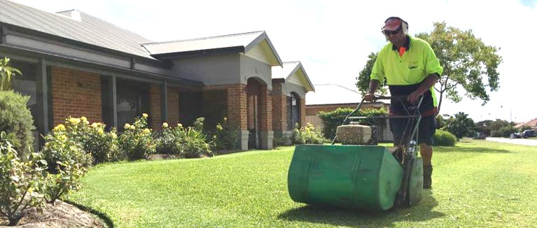 The Garden Fixer | Lawn mowing services